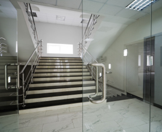 Pintu Tempered - Aplikator Surabaya
