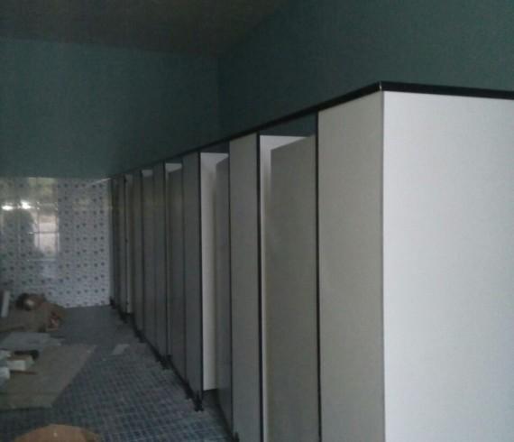 Kubicle toilet dgn Phenolic resin di kenjeran Park surabaya