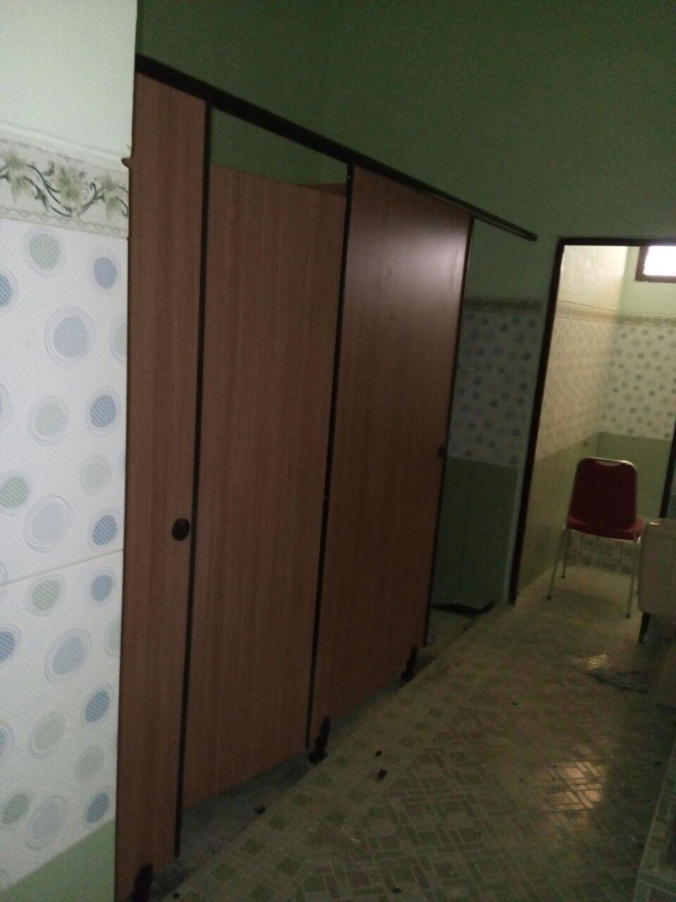 ToiletcubiclepenolicboardPVC board4