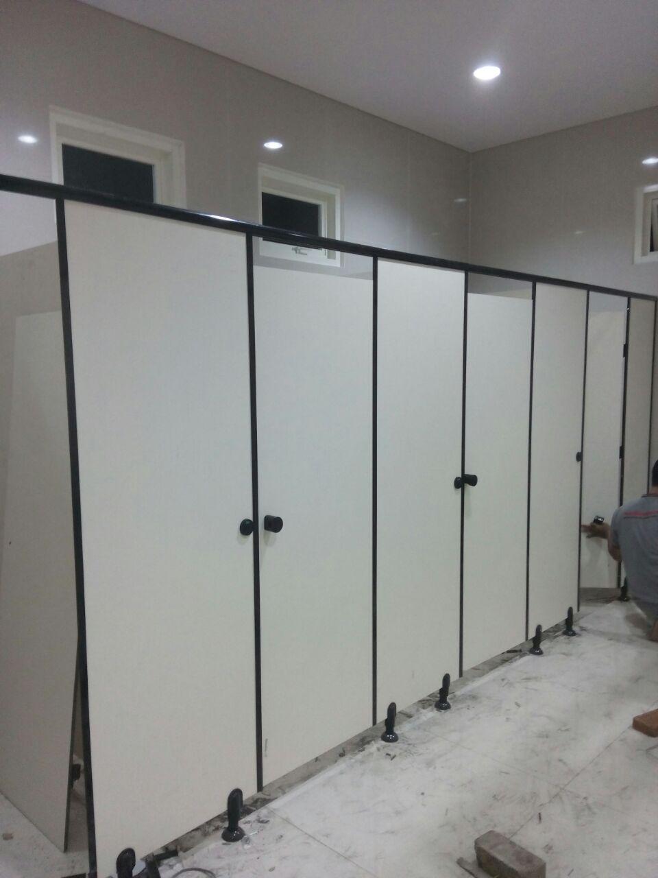 ToiletcubicleuntukSMAMuhammadiyah10-3