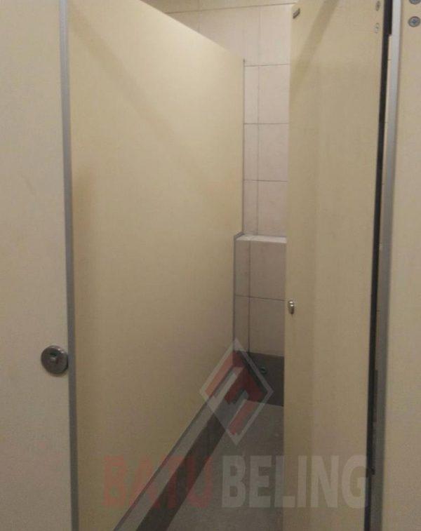 Urinoir dan Cubicle Toilet di Transmart Pontianak