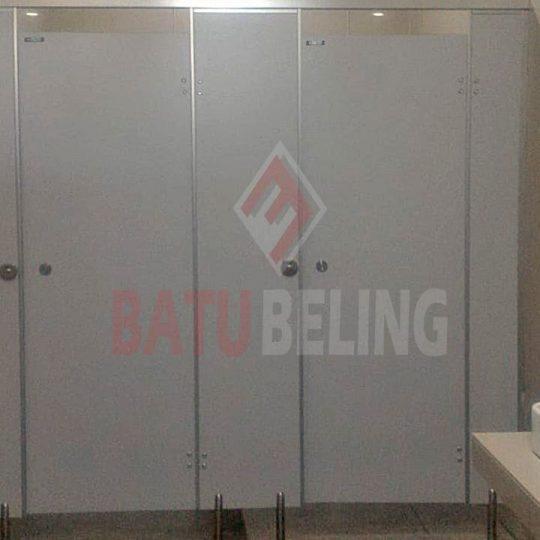 Toilet Cubicle di Stasiun Kereta Api Pasar Turi