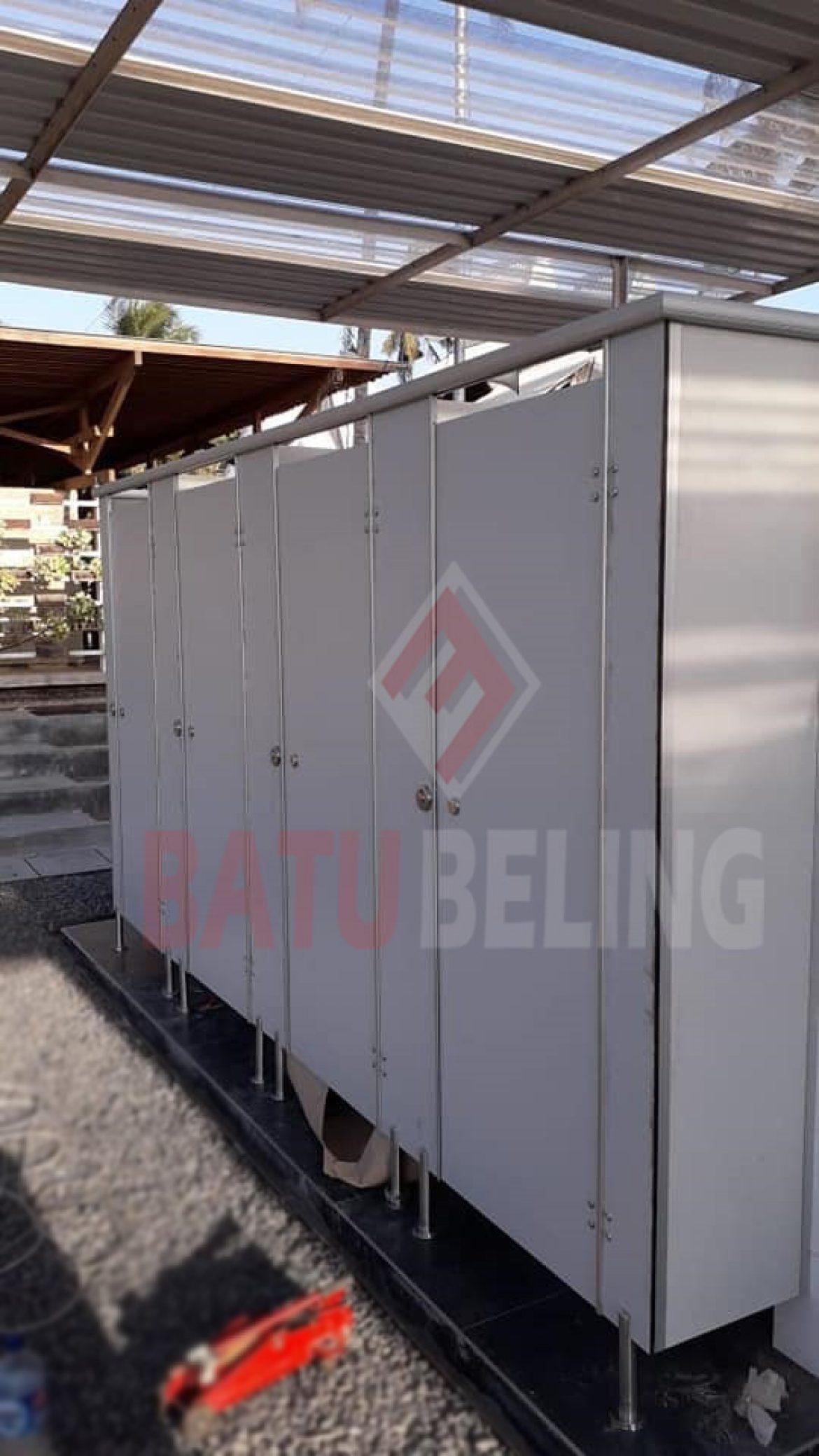 Cubicle Toilet di Area Terbuka Wisata Pantai Watu Dodol Banyuwangi